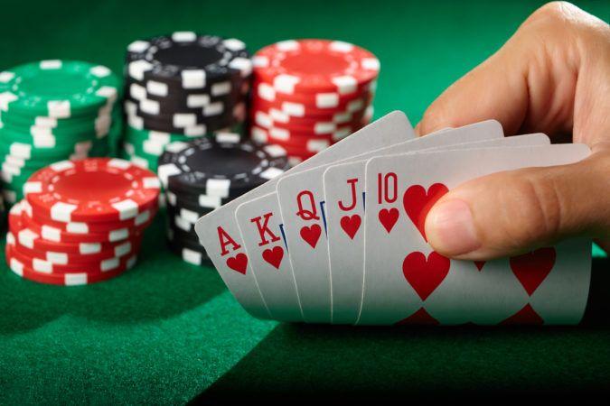Play Online Poker Gambling